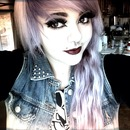 Lilac hair with dark lippy :3