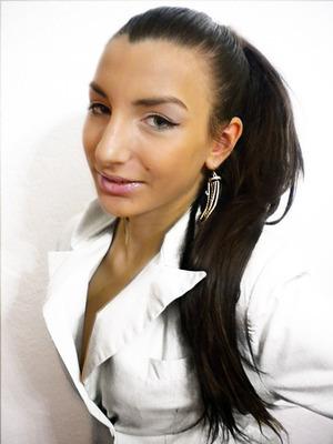http://missbeautyaddict.blogspot.com/2012/02/inspirated-make-up-jennifer-lopez-in.html
