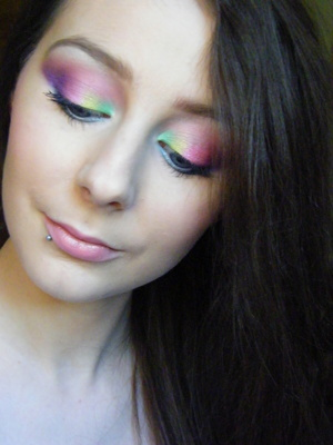 Love my Blank Canvas Cosmetics 32 Eyeshadow/10 Colour Blush Palette! Was spoiled for choice with regard to colours, I couldn't decide what eyeshadows I wanted to wear. So I wore as many as I possibly could resulting in this tie dye effect makeup!