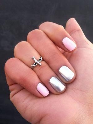 Loving this color duo!!!! #Manicure #OnyxBrands #Beauty #Nails #Nailpolish #Metallic #Mani #Fashion