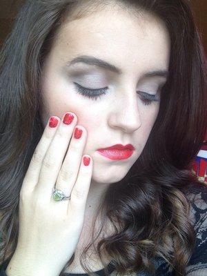 Makeup.. Concealer (light) Creme-to-powder foundation (ivory2/ivoire2) Mineral powder foundation (ivory2/ivoire2) E.l.f eyeshadows  Nail... Red Lips.. Red