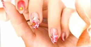 Korean floral nail design with folk art :D   http://saranail.blogspot.kr