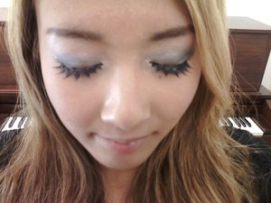 2011.10.3 After taking this photo, I realized my false lashes weren't glued correctly in the middle :( Luckily, I'm the only person to notice at school hehe