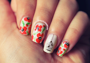 http://littlebeautybagcta.blogspot.com/2013/06/poppy-nails.html