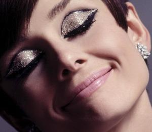 Audrey Hepburn. Love the eyeshadow!