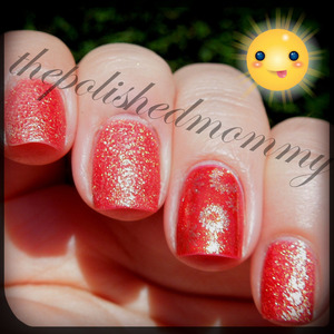 ‪#‎nailartaug‬ Sparkles. http://www.thepolishedmommy.com/2013/08/these-nails-are-on-fire.html