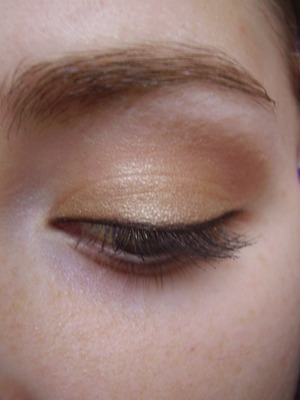 simple gold eyeshadow tutorial
