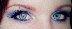 trying out NYX 'space' Ultra Pearl Mania. I used NYX eyeshadow pencil for my base. I love this range <3