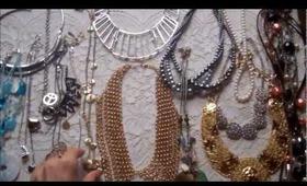 DIY: Necklace & Belt Organizer