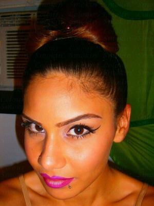 http://smokincolour.blogspot.com/2012/09/dramatic-liner-bold-lips.html