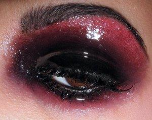 glossy black & red eye makeup