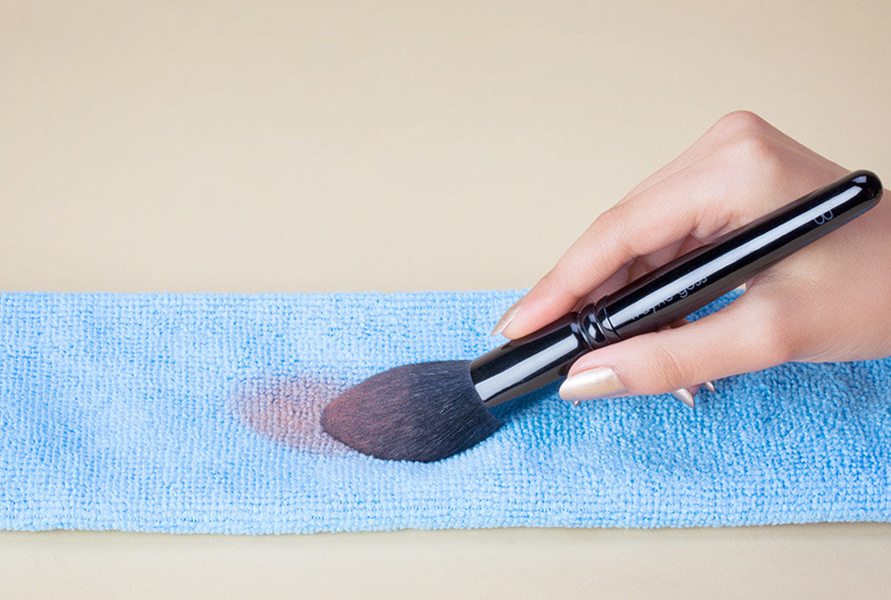 The Ultimate Guide To Cleaning Your Natural Brushes