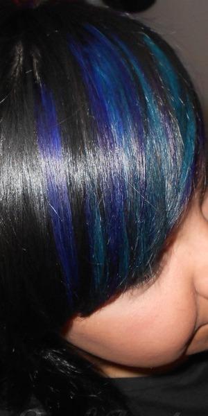 <3 those colors!!!