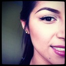 winged liner/perfect brow