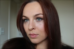 Simple look featuring the Urban Decay Naked basics palette