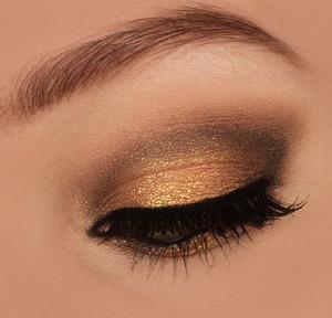http://instagram.com/makeupbyeline/