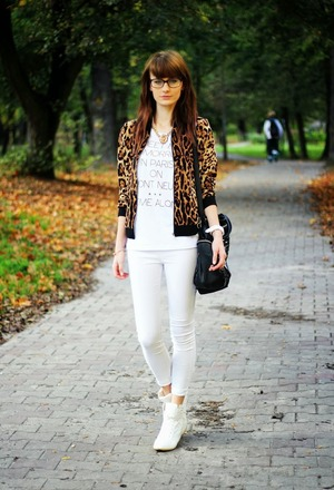 Jacket, featuring unique collar and zippered design, contrast trimming and leopard print styling, two pockets in front, elastic waist, soft-touch fabric.Whatever you wear inside, you can match with it.