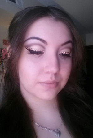 Cut crease with glitter liner <3