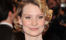 Met Costume Institute Gala Makeup: Mia Wasikowska