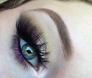 Rapunzel Golden Cut Crease Eye Makeup
