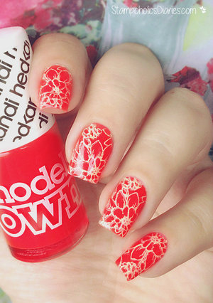 http://stampoholicsdiaries.com/2015/06/09/summer-neon-nails-with-models-own-mundo-de-unas-moyou/