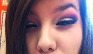 don't mind my face, this was my makeup on valentines day.