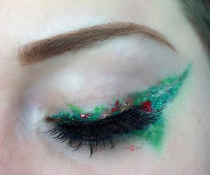 Colorful, yes, but also festive ;)! http://theyeballqueen.blogspot.com/2016/11/holiday-series-glittery-winter-citrus.html