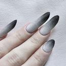Grainy Ombré Nails