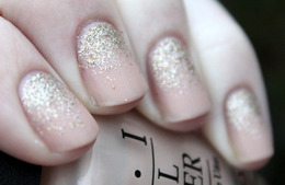 7 Dazzling Holiday Manicure Ideas