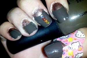autumn nails [right hand]  dont mind the hello kitty band-aid or the messiness :)