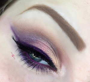You can always count on Thaeyeballqueen to deliver a wide variety of Holiday glam ;)! Here is a colorful option for ya. http://theyeballqueen.blogspot.com/2016/11/holiday-series-shimmering-warm-toned.html