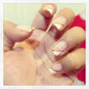 French nail with gold lining