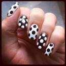 Graphic B&W dots