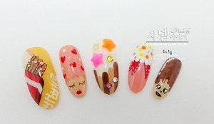 Happy Pepero Day to you all! Hope you like my pepero nail art! you wanna know what pepero day is? Let's see them~♥  http://saranail.blogspot.com
