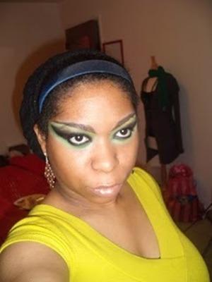 Dramatic Green Smokey Eye
