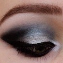 Smokey blue look