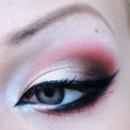 Pretty Coral Smokey Eye