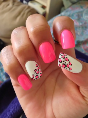 i did a nice pink and white leopard print on my nails for valentines day <3 follow me on instagram guys @jocelyndollface