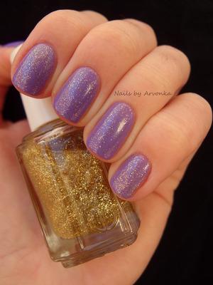 http://arvonka-nails.blogspot.sk/2013/01/notd-fialove-bling-bling.html