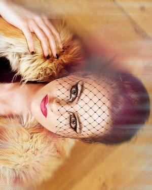 Photographer : Damien Mohn  Model : Camille Make-up & Hair : Me