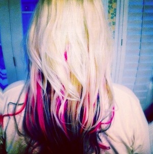 This was fun!!  Love the pop of bright pink on bright blonde hair !