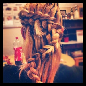 "Waterfall braid with""Z"" pattern"