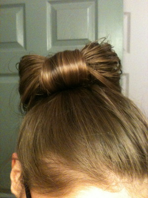 quick attempt at a hair bow