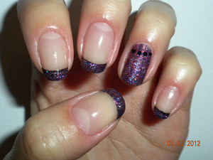 Multicoloured purple glitter with a black underlay