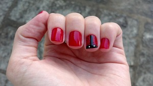 This has been my first atempt to make this art nail. I think it's nice :)