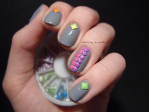 http://arvonka-nails.blogspot.sk/2014/03/farebne-neonove.html