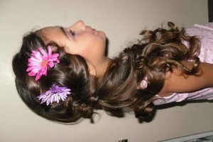 Perfect little flower girl look w curls