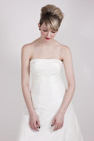 modern beehive bride
