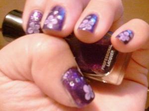 im lovin the zoya nail polish!