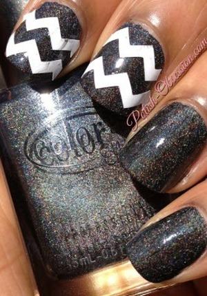 http://www.polish-obsession.com/2013/08/twinsie-tuesday-chevron.html